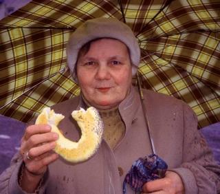 Krakow bagel eater