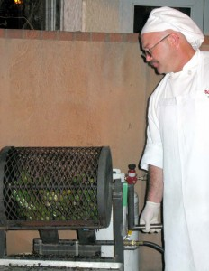 Roasting green chiles at El Pinto