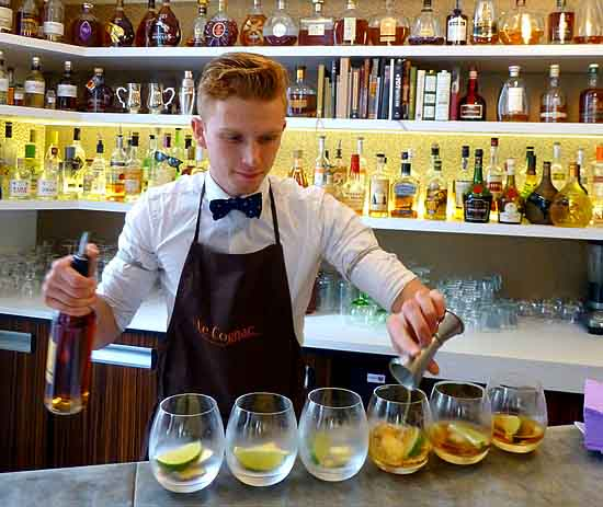 Yoann Saillard mixes Cognac Summit cocktails