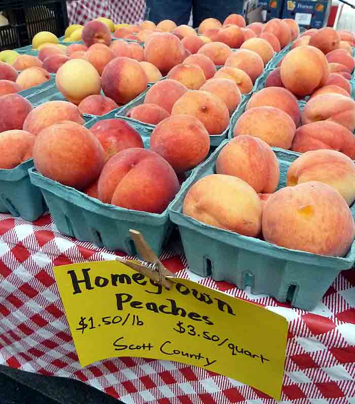 peaches at Lexington Farmers Market