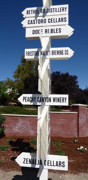 wine signpost Paso Robles