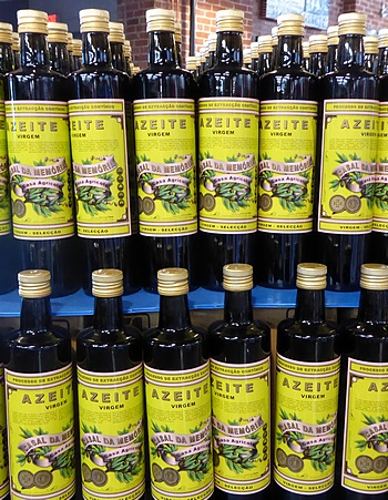 olive oil in Portugalia at the holidays