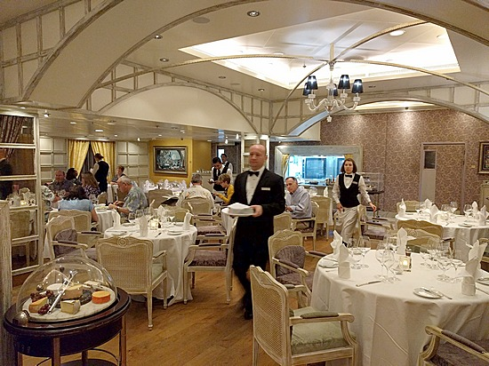 Dining room at Jacques aboard Oceania Marina