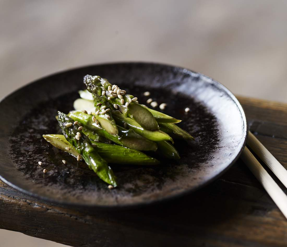 Pan-fried asparagus with soy and sesame