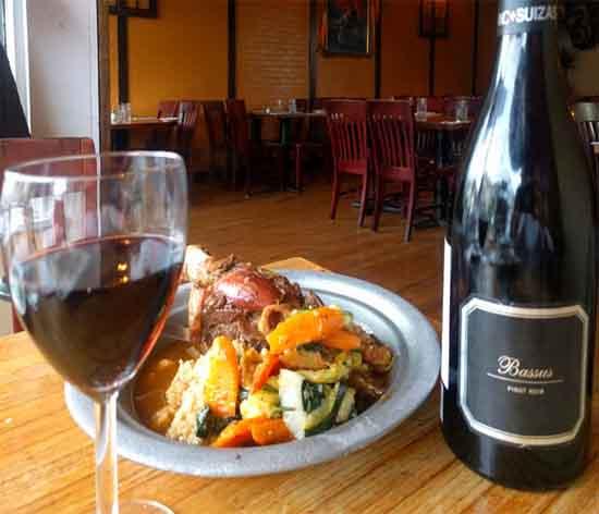 Bassus Pinot Noir from Utiel Requena exudes elegance