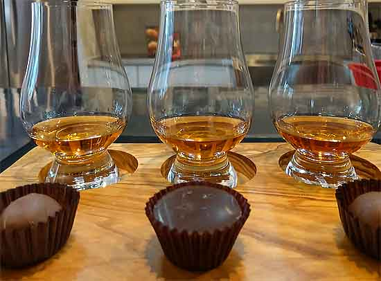 Whiskey tastes with chocolate