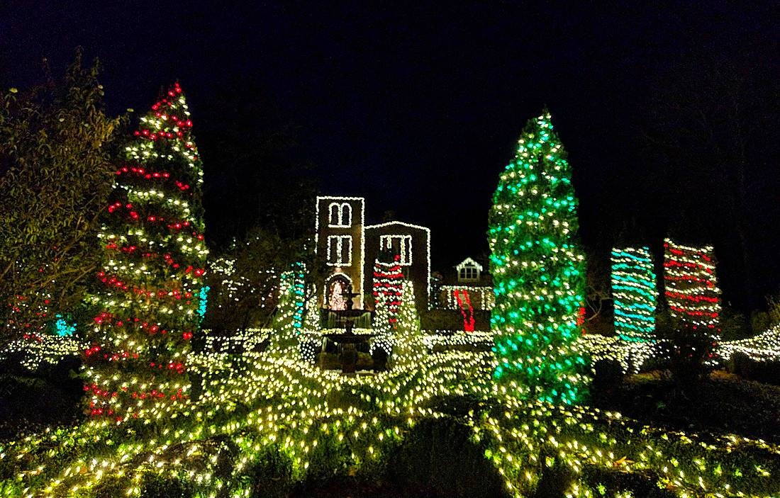 barnsley lights up a southern christmas hungry travelers