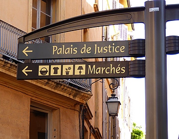 street sign to markets in Aix-en-Provence
