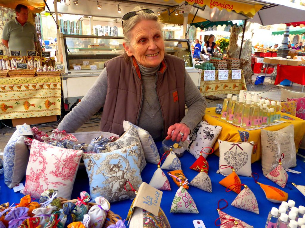 Béatrice sells lavender at the Aix-en-Provence farmers' market