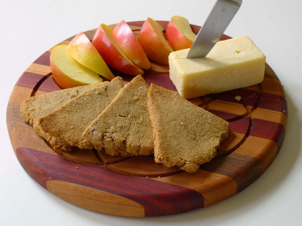 oatcakes with cheese and apple