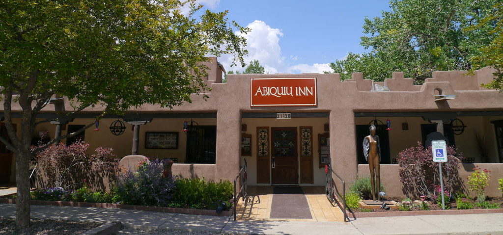 Abiquiu Inn serves tasty dishes (and serene casitas)