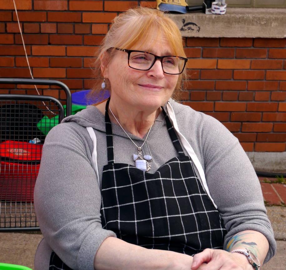 Jane Hess, cookie baker