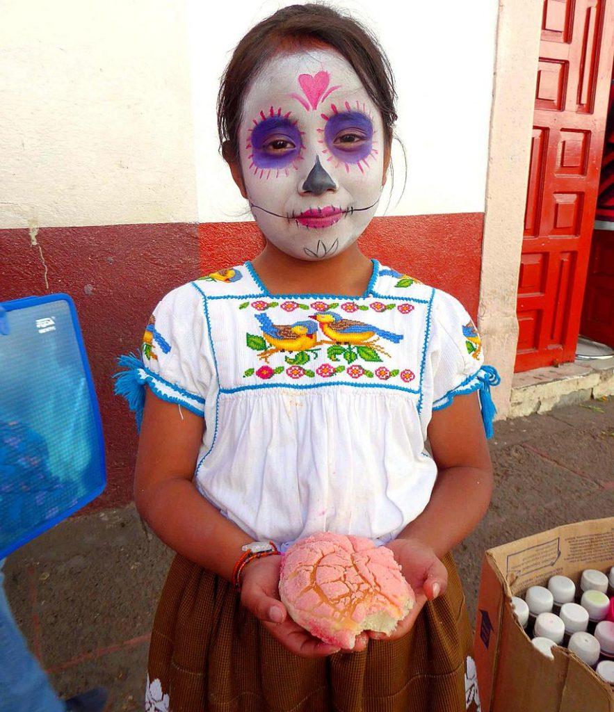 Pan de Muerto: sustenance for Día de los Muertos